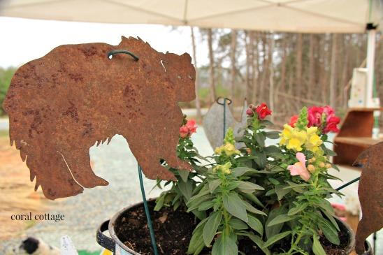 metal garden art bear