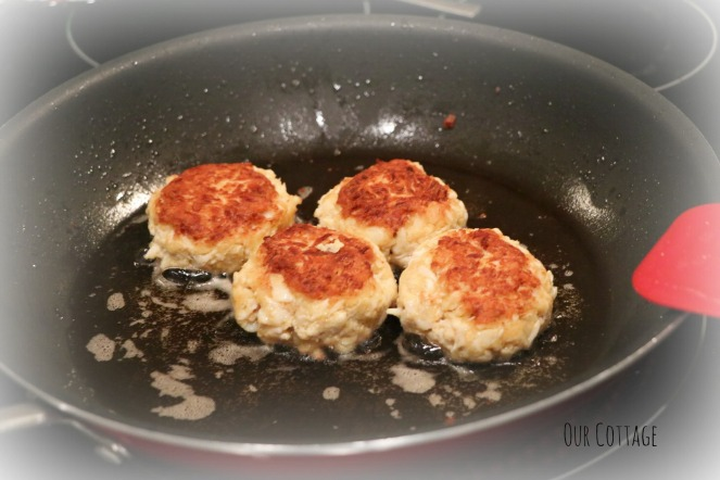 frying-crab-cakes