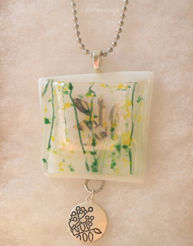 green leaves pocket necklace