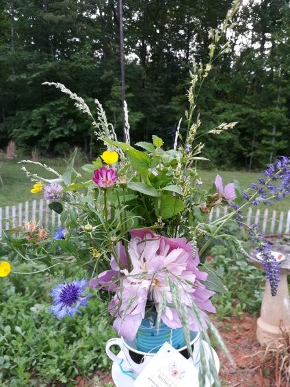 flowers int he garaden